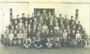old pic of Carrowmena school